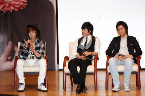 Kim Bum and fellow actors friend