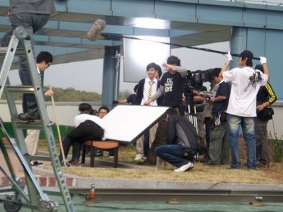 Yoo Seung Ho in Third Period Murder Mystery Filming.
