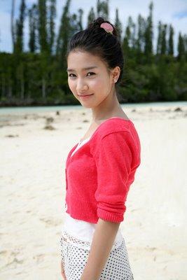 Kim So Eun in polkadot