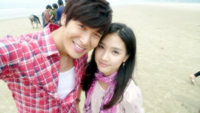 Kim So Eun and Jung Gyu Won at 8eight Goodbye My Love filming site