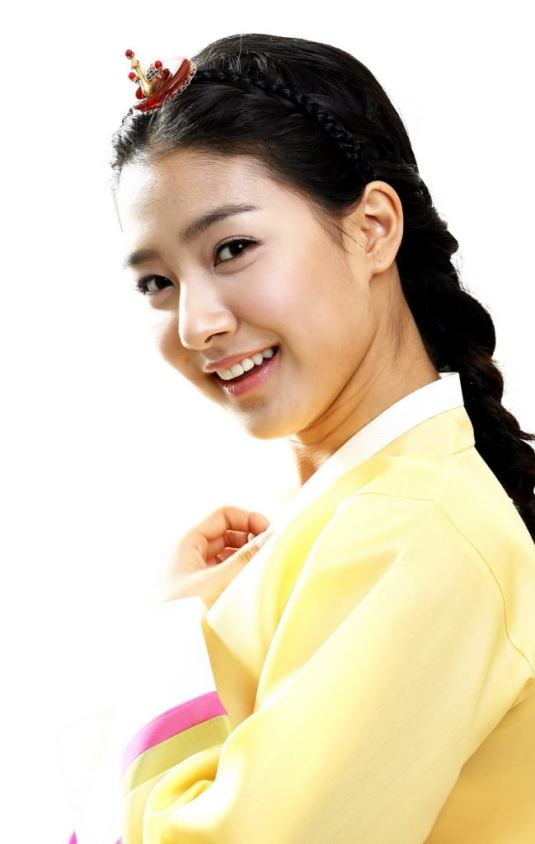 Kim So Eun in Hanbok