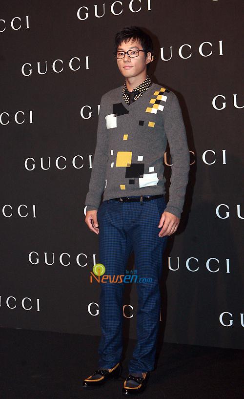 Lee Chun Hee in Gucci Fashio Show